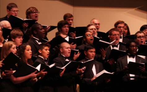 "University Singers perform ""Music of America"""