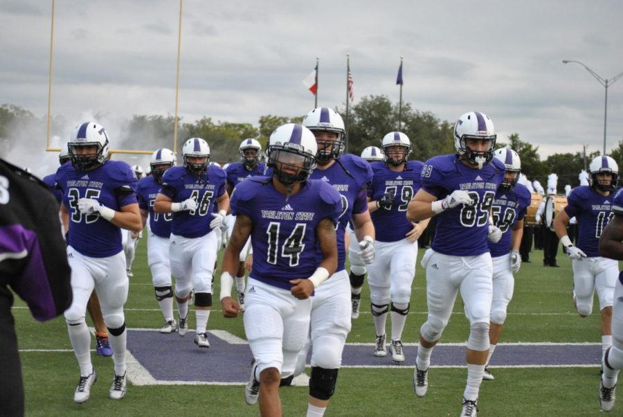 The Texan football team during homecoming 2014