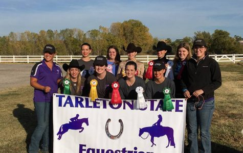 Tarleton Equestrian team jumps over competition