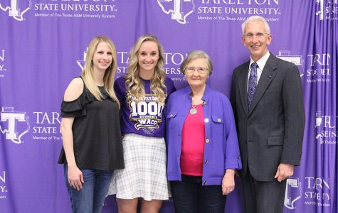 From left: Brittany Landreth, 1,000th enrolled student, Katie Billeaud, her grandmother, Sue Colclasure and President F. Dominic Dottavio