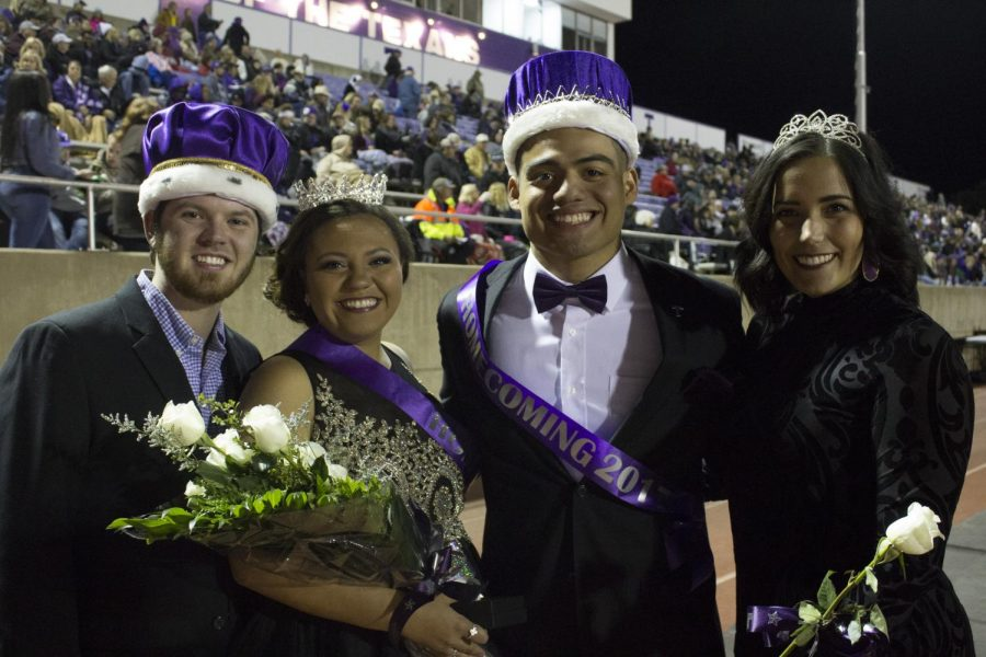 2016s Homecoming King and Queen Wacey Horton and Kelsey Goodwin poses with 2017 Homecoming King and Queen Art Hernandez and Madison Minor.