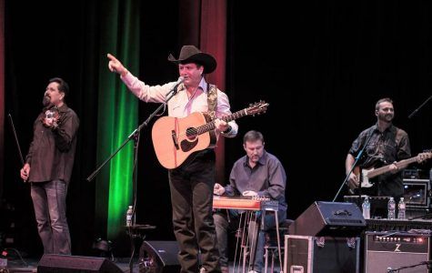 Tracy Byrd returns to Stephenville for his first Twisted J performance