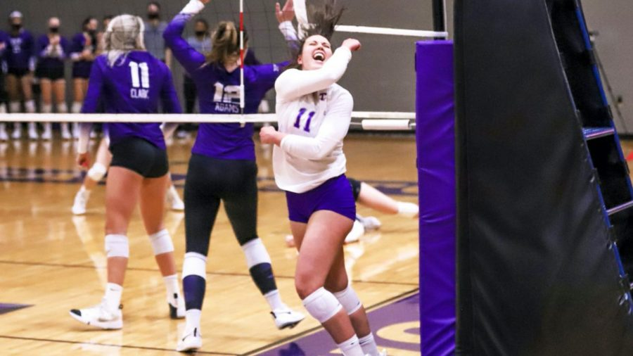 Lauren+Kersey%2C+right+side%2C+celebrating+the+Volleyball+team%E2%80%99s+win+at+the+game+on+Feb.+25%2C+against+Texas+Christian+University.
