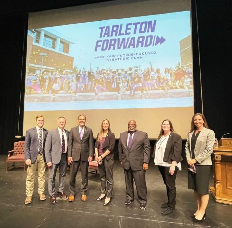 Dr. James Hurley and his panelists on April 8, 2021 delivering the Tarleton Forward 2030: Our Future Focused Strategic Plan.
