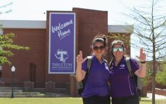 Jordan Duzich and JTAC contributor, Hannah Durnell showing their Texan pride before leading another Texan tour.